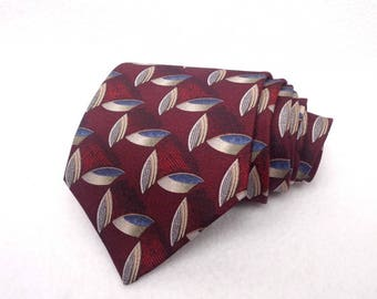 Gianfranco Ruffini Handmade Designer Tie 100% Imported Silk Made in USA Vintage Necktie Red Blue Grey Geometric Pattern