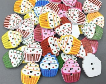 Set of 5 wooden cupcake buttons