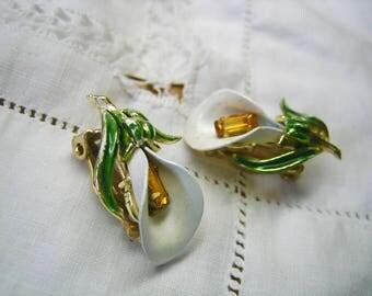 Vintage Pauka Enamel Rhinestone Lily Earrings