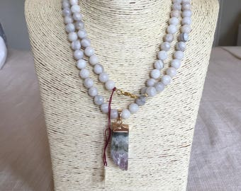 white howlite necklace w/ agate drop