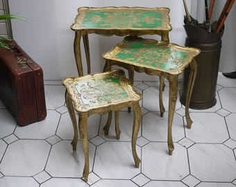 Vintage Italian Florentine Nesting Tables 3 Gilded Gold and Green, Haind Painted Florentine Side Table. Florentine nesting Tables 1950 s.