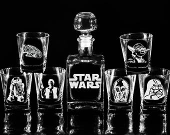 STAR WARS Glass Whiskey decanter Set (17 oz.) & glasses Christmas gift C-3PO R2-D2 Yoda Darth Vader Gift for men Decanter Fathers gift