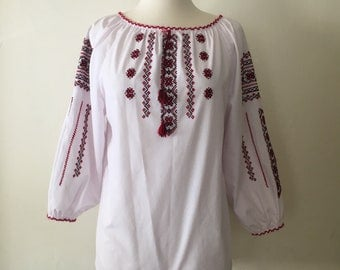 Vintage 70s Traditional Matyo Hungarian Embroidered Blouse Top * Folk Peasant Boho Size