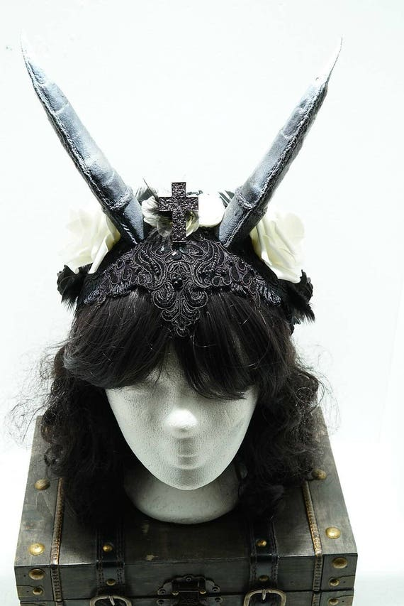 Wedding white/black gothic Horn headpiece / black and white horns headpiece