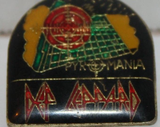 Vintage Def Leppard Pyromania Enamel Pinback button pin hat lapel