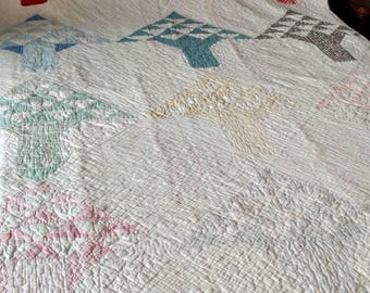 Tree of Life Quilt or Pine Trees - Vintage Loveliness!  Offered at only 225!