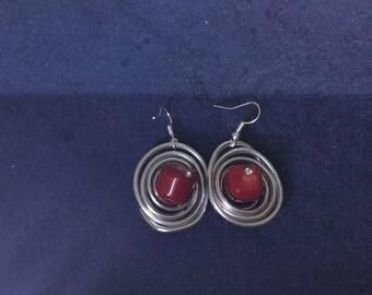 Orecchini in alluminio con corallo rosso  e brillantino