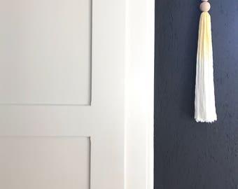Wallhanger Tassel Batik Ombre / 3 colors