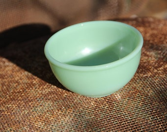 Vintage Jadeite Oven Ware Small Beaded Rim Bowl by Fire-King