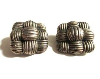 Square goldtone basket weave vintage earrings, Ladies clip ons, Costume jewelry, Retro 1970s, Heavyweight
