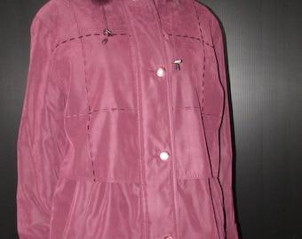 Vtg joli manteau en polyester magenta  à capuchon  enlevable/  Vtg magenta polyester removable hooded  coat    bust 44 gallery by fen-nelli