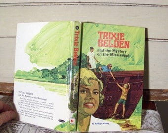 Trixie Belden #15 Mystery on the Mississippi, by Kathryn Kenny. Vintage 1970 edition