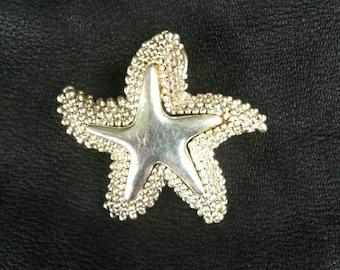Vintage starfish brooch pendant, silvertone marinelife pin
