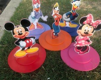 MickeY,  Minnie, Goofy, Donald  daisy and Pluto    Birthday  wood center pics