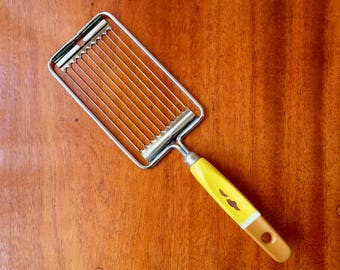 Mid century Skyline tomato slicer, the perfect kitchen utilities for your next barbecue