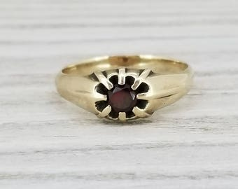 Vintage garnet belcher ring in yellow gold