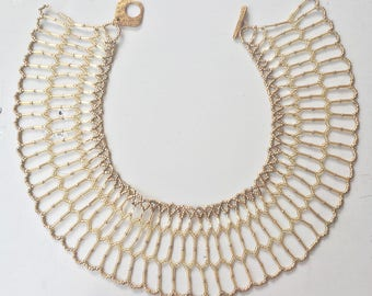 Beautifull gold beaded necklace
