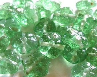 4 Indian beads 16 mm glass flower.