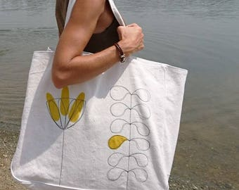 Weekend bag end, beach bag, tote bag, shopping bag, travel, yellow, white flower bag