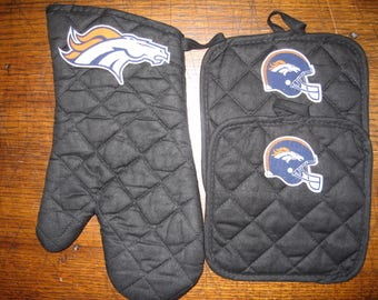 Oven Mitt & Potholders - 3 Piece Set - Denver Broncos - Color Options