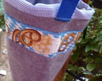 small bag, Oktoberfest, Bavaria party, pretzel, pretzel, wool felt,