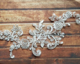 1 Pair Bridal Lace Applique Trim Appliques in off White for Weddings,Sashes,Veils,Headpieces, WL881