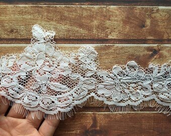 Off-White Trim Lace, Lace Trim for Bridal Veil, Wedding Lace Trim, 3.93 Inches Wide 1.64 Yards/ Craft Supplies, WL846
