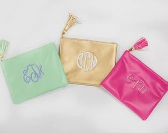 Monogrammed Tassel Zip Pouch..Personalized Cosmetic Bag..Stylish Cosmetic Storage..Monogram Clutch