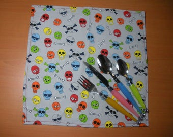 Colorful skulls - child, lined, washable, cotton printed napkin