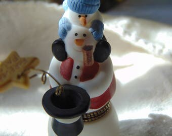 Nidwest of Cannon Falls Snowman by Sue Dreamer trinket box