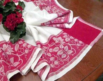"""Vintage Simtex Damask Linen Tablecloth Red and White  Grape Vine Print Border Large 48"""" x 50"""" Square- Rustic Country Farm House Table Decor"""