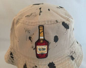 Henny bucket hat