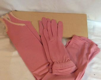 Vintage pink two peice Glove Set