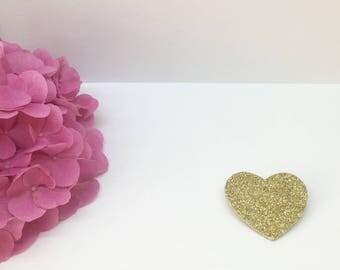 Golden glitter heart brooch