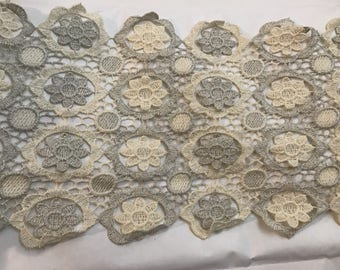 Beige and grey lace has small 20 cm enargeur pattern