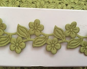 Ribbon flower cut Lazer green 3.5 cm width