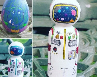 Hand painted Space Explorer set with Alien friend