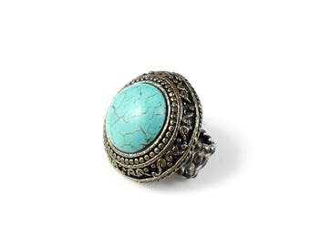 Turquoise style ring, blue stone ring, blue and silver tone ring, statement ring, large blue ring, costume jewellery ring.