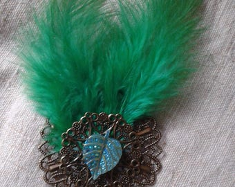 brooch green feathers