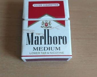 Marlboro Medium cigarettes Mini matchbook with matches