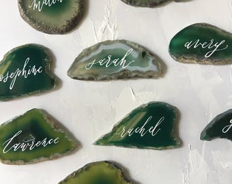 Handlettered Emerald Green Agate Place Cards / Calligraphy Agate Slices Escort Cards