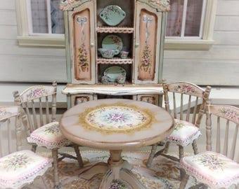 1/12 Chair. Dollhouse Furniture