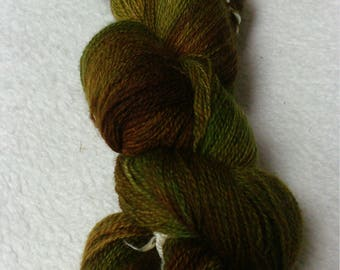 Lacegarn Merino100g hand dyed green Braun where the forest dwarves live