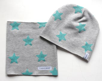 Grey fleece neck warmer hat and blue stars glitter