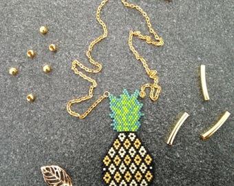 Fancy pineapple motif necklace with Pearl Miyuki