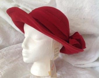 Drowning in Hats Make a slash with this beautyof a vintage hat!   [vintage hat, vintage, acessories, women's vintage hats, vintage]