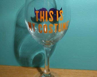 Perfect Halloween costume for your glass