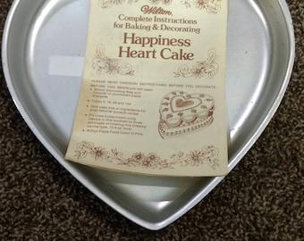 Wilton heart shaped cake pan 1971  #502-951