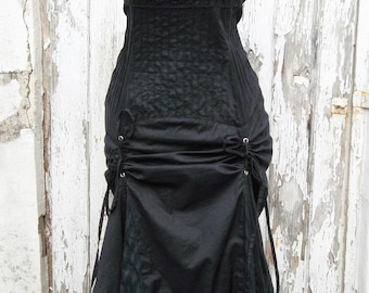Vintage Black Pin Up Steampunk Gothic Bustle Ruffle Dress Lace Broderie anglaise Siz M / L