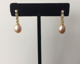 Freshwater pearl and crystal dangle earring